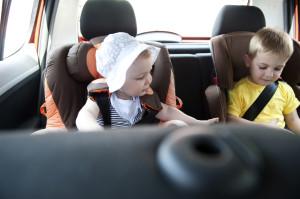auto met kinderen