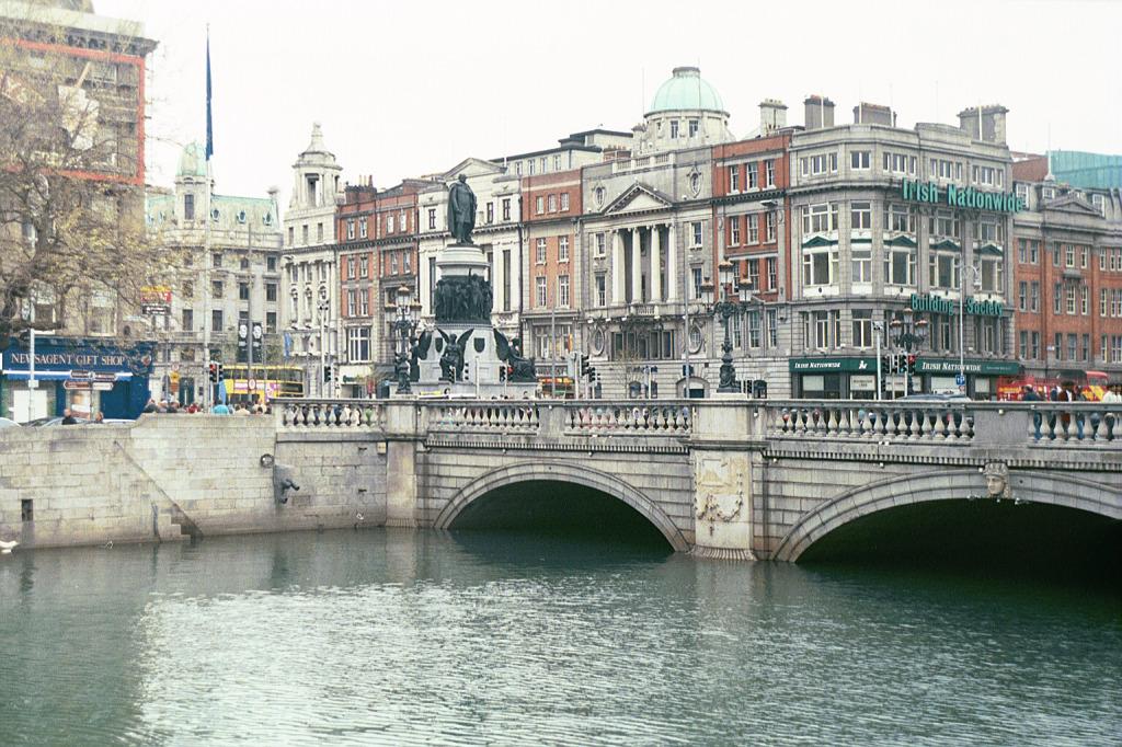 Dublin_(main_street_view)